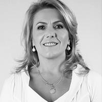 Paula Cristina Ioris de Oliveira